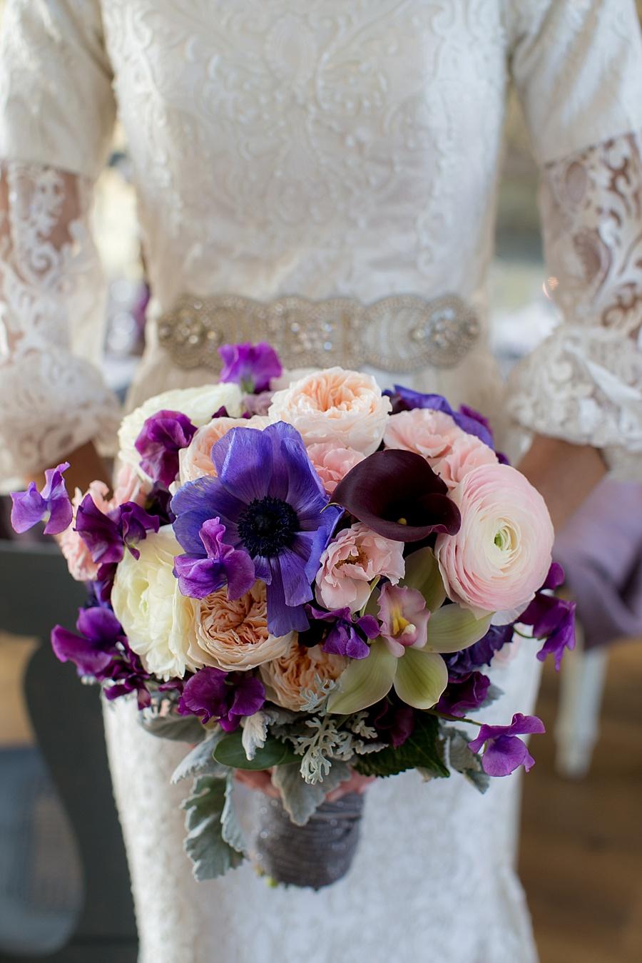 Vanessa_Joy_Photography_Details_of_I_do_Jean_Ralph_Thurin_Wedding_Gowns_April_Lynn_Designs_Wedding_Stationery11