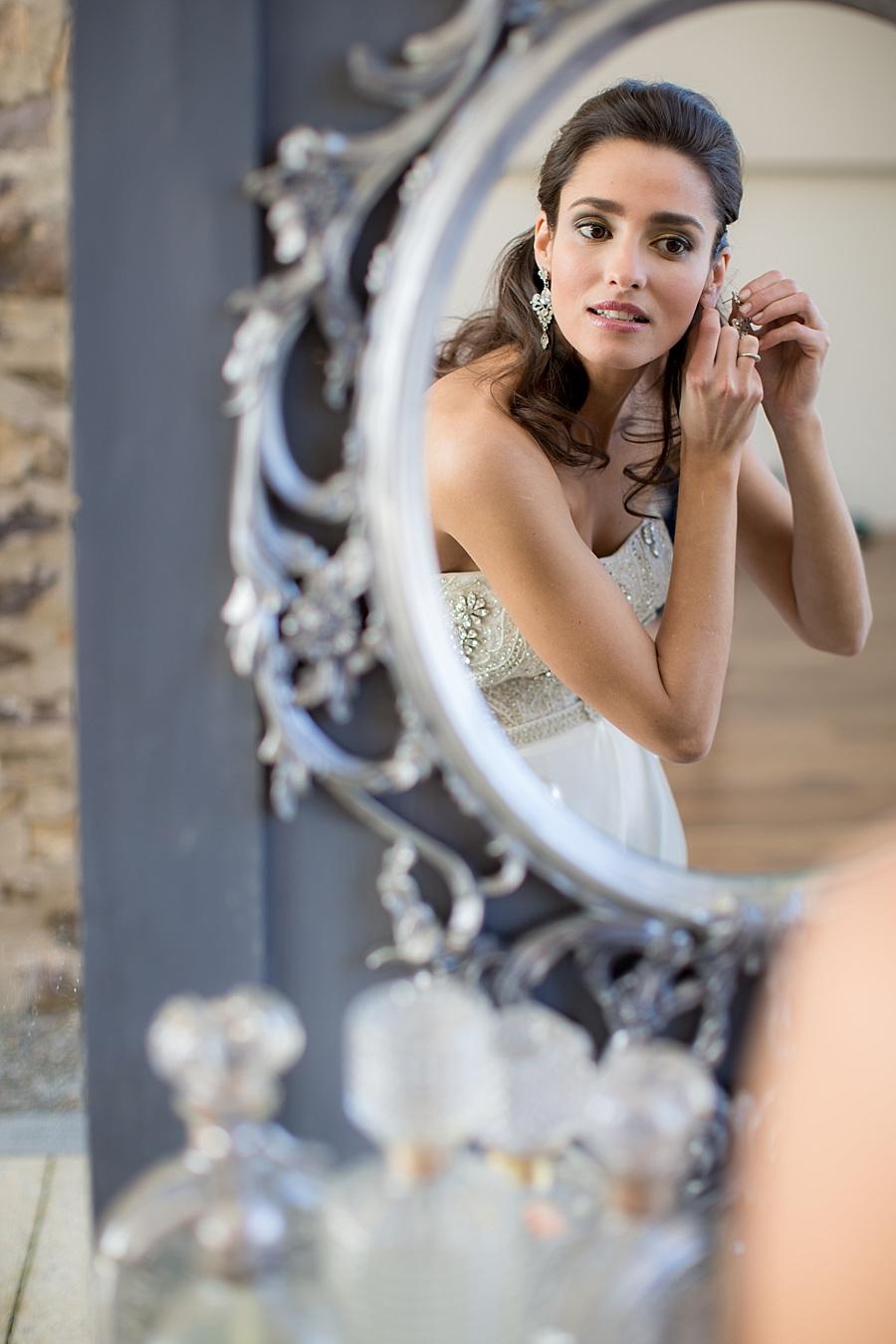 Vanessa_Joy_Photography_Details_of_I_do_Jean_Ralph_Thurin_Wedding_Gowns_April_Lynn_Designs_Wedding_Stationery15