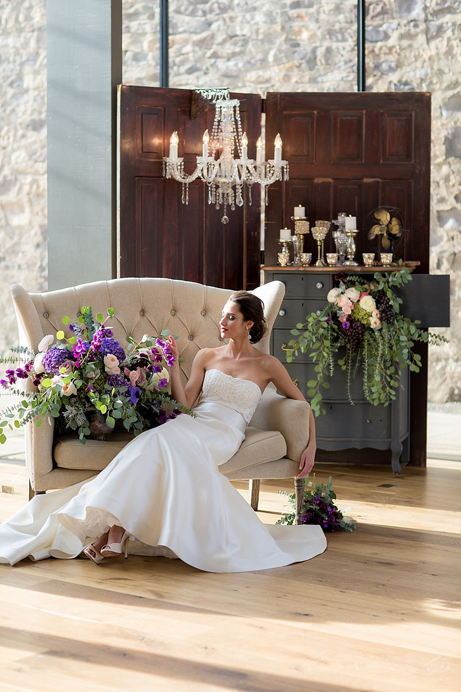 Vanessa_Joy_Photography_Details_of_I_do_Jean_Ralph_Thurin_Wedding_Gowns_April_Lynn_Designs_Wedding_Stationery23
