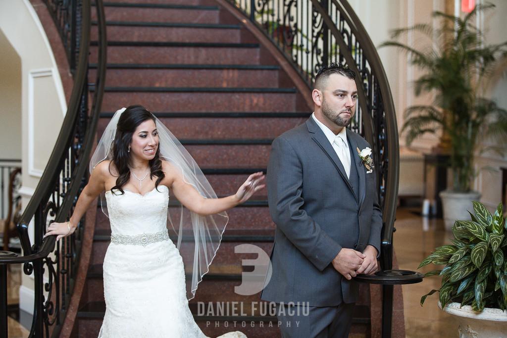 Daniel_Fugaciu_Photography_Liz_Rob_Real_Weddding_April_Lynn_Designs_The_Merion_New_Jersey_Brugundy_Gold_Wedding11