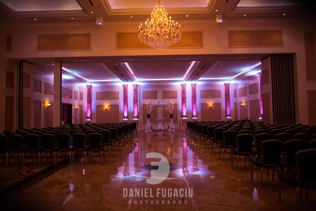 Daniel_Fugaciu_Photography_Liz_Rob_Real_Weddding_April_Lynn_Designs_The_Merion_New_Jersey_Brugundy_Gold_Wedding16