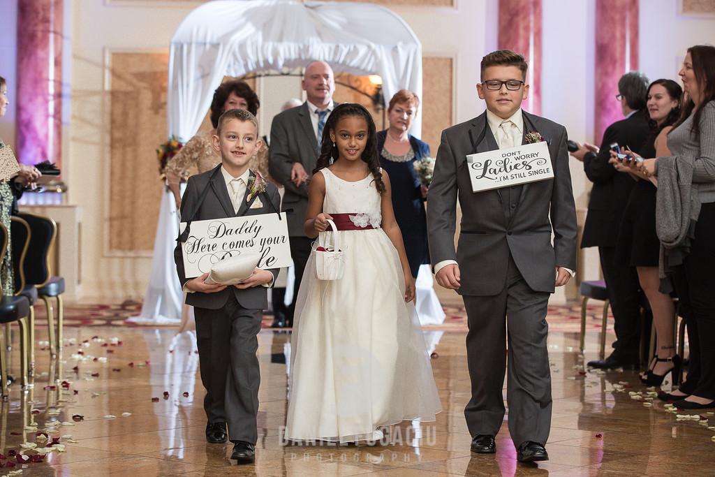Daniel_Fugaciu_Photography_Liz_Rob_Real_Weddding_April_Lynn_Designs_The_Merion_New_Jersey_Brugundy_Gold_Wedding19