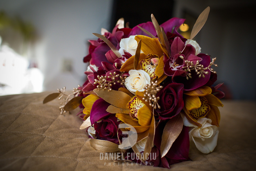 Daniel_Fugaciu_Photography_Liz_Rob_Real_Weddding_April_Lynn_Designs_The_Merion_New_Jersey_Brugundy_Gold_Wedding2