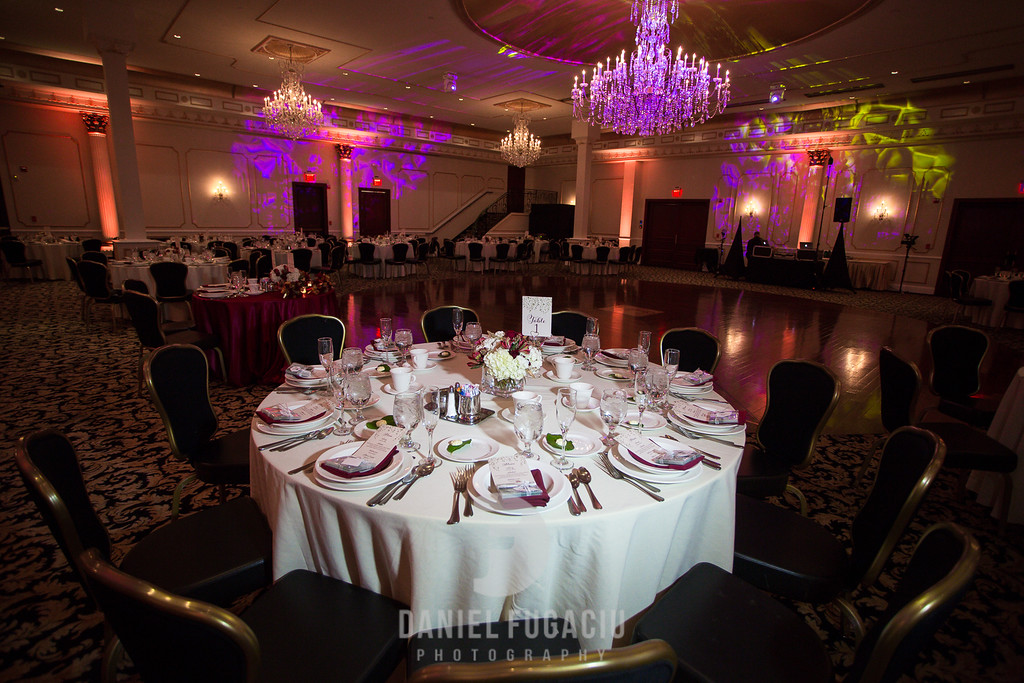 Daniel_Fugaciu_Photography_Liz_Rob_Real_Weddding_April_Lynn_Designs_The_Merion_New_Jersey_Brugundy_Gold_Wedding26