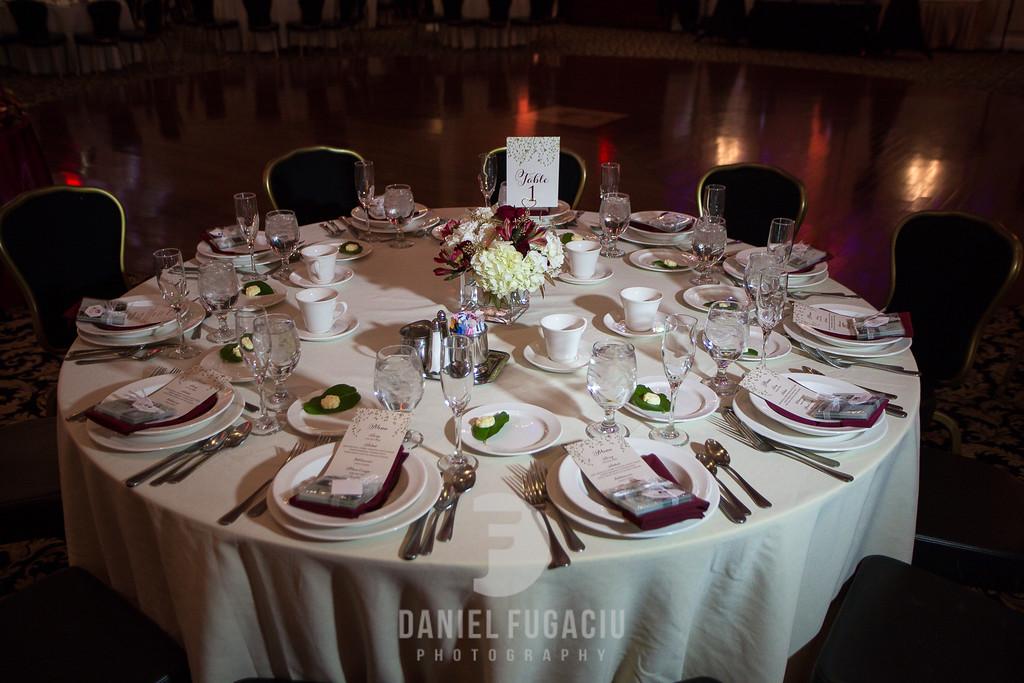 Daniel_Fugaciu_Photography_Liz_Rob_Real_Weddding_April_Lynn_Designs_The_Merion_New_Jersey_Brugundy_Gold_Wedding27