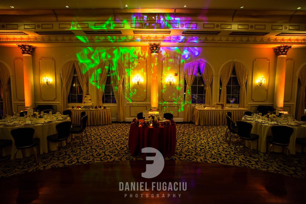 Daniel_Fugaciu_Photography_Liz_Rob_Real_Weddding_April_Lynn_Designs_The_Merion_New_Jersey_Brugundy_Gold_Wedding28