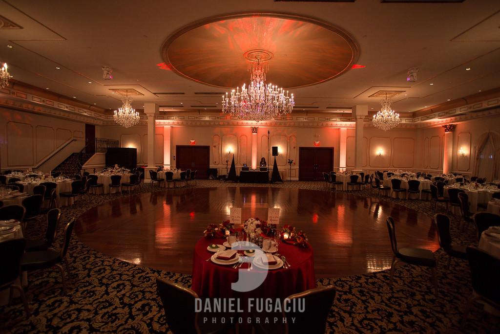 Daniel_Fugaciu_Photography_Liz_Rob_Real_Weddding_April_Lynn_Designs_The_Merion_New_Jersey_Brugundy_Gold_Wedding33