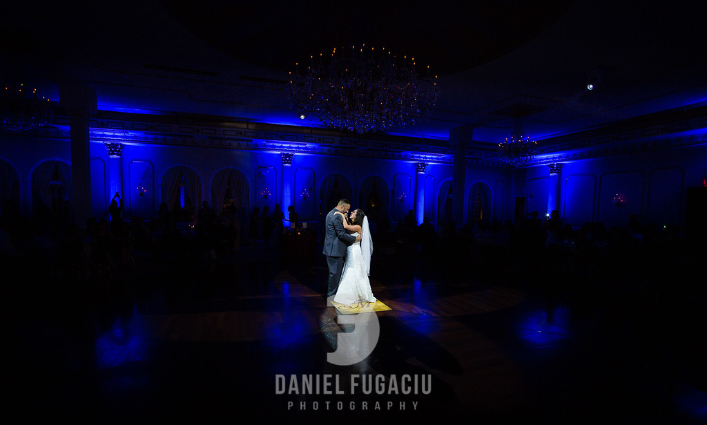 Daniel_Fugaciu_Photography_Liz_Rob_Real_Weddding_April_Lynn_Designs_The_Merion_New_Jersey_Brugundy_Gold_Wedding35