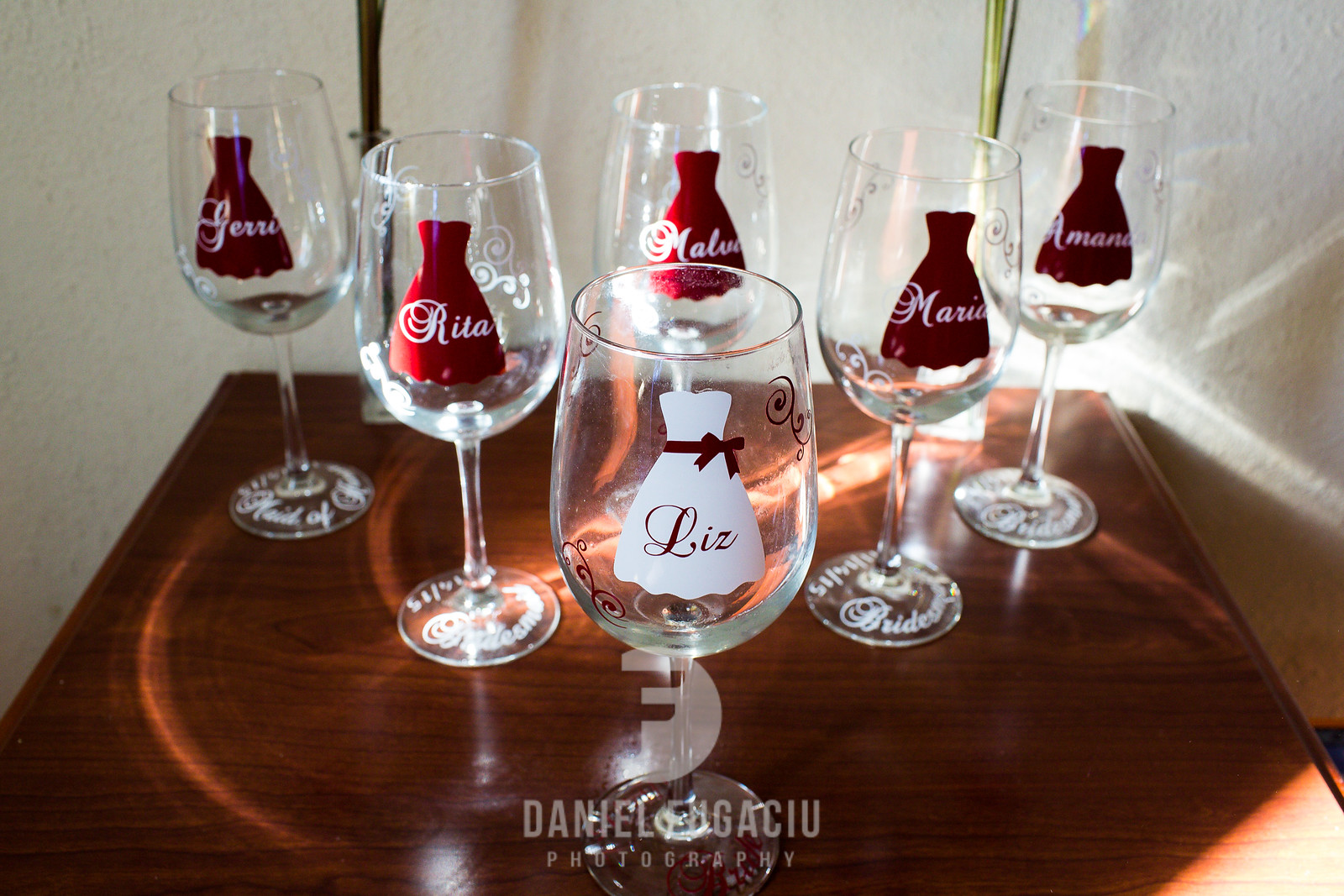 Daniel_Fugaciu_Photography_Liz_Rob_Real_Weddding_April_Lynn_Designs_The_Merion_New_Jersey_Brugundy_Gold_Wedding4