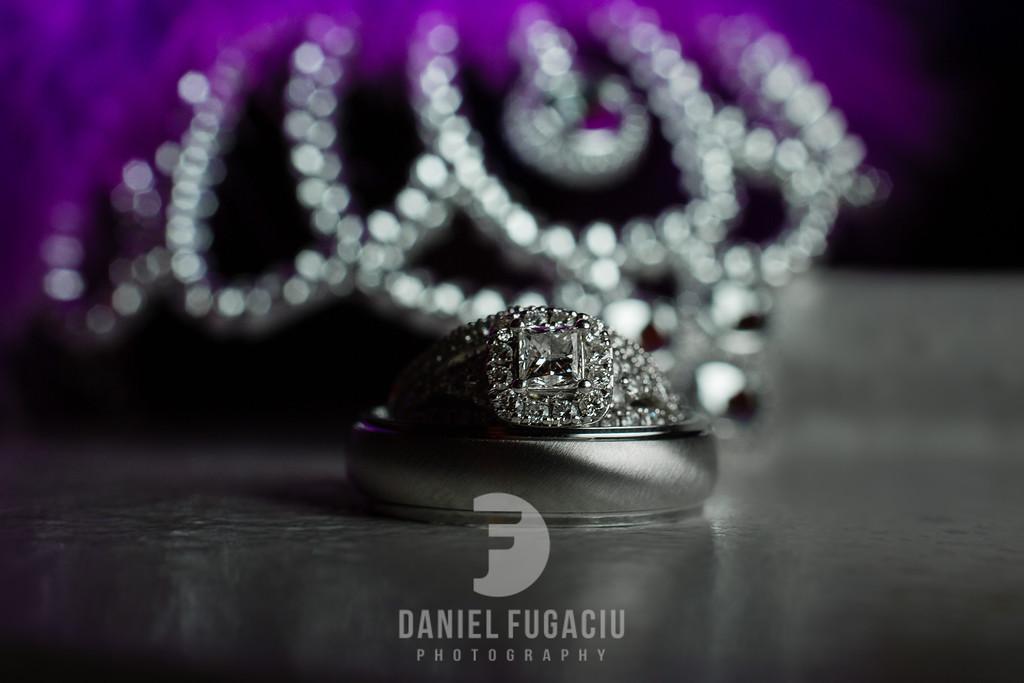Daniel_Fugaciu_Photography_Liz_Rob_Real_Weddding_April_Lynn_Designs_The_Merion_New_Jersey_Brugundy_Gold_Wedding42