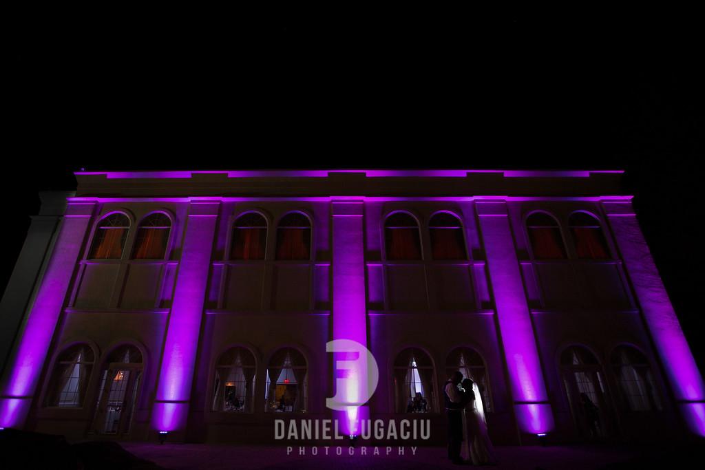Daniel_Fugaciu_Photography_Liz_Rob_Real_Weddding_April_Lynn_Designs_The_Merion_New_Jersey_Brugundy_Gold_Wedding43
