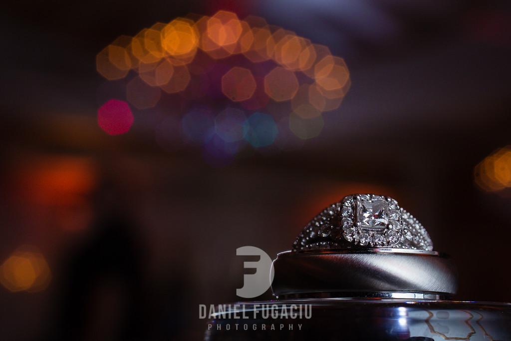 Daniel_Fugaciu_Photography_Liz_Rob_Real_Weddding_April_Lynn_Designs_The_Merion_New_Jersey_Brugundy_Gold_Wedding6