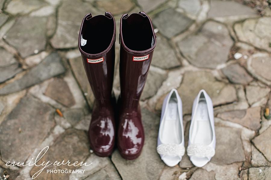 Emily_Wren_Photography_April_Lynn_Designs_Ash_Mill_Farm_Jill_John_October_Rustic_Wedding_Flannel_Farm_Sheep_Holicong_New_Hope013