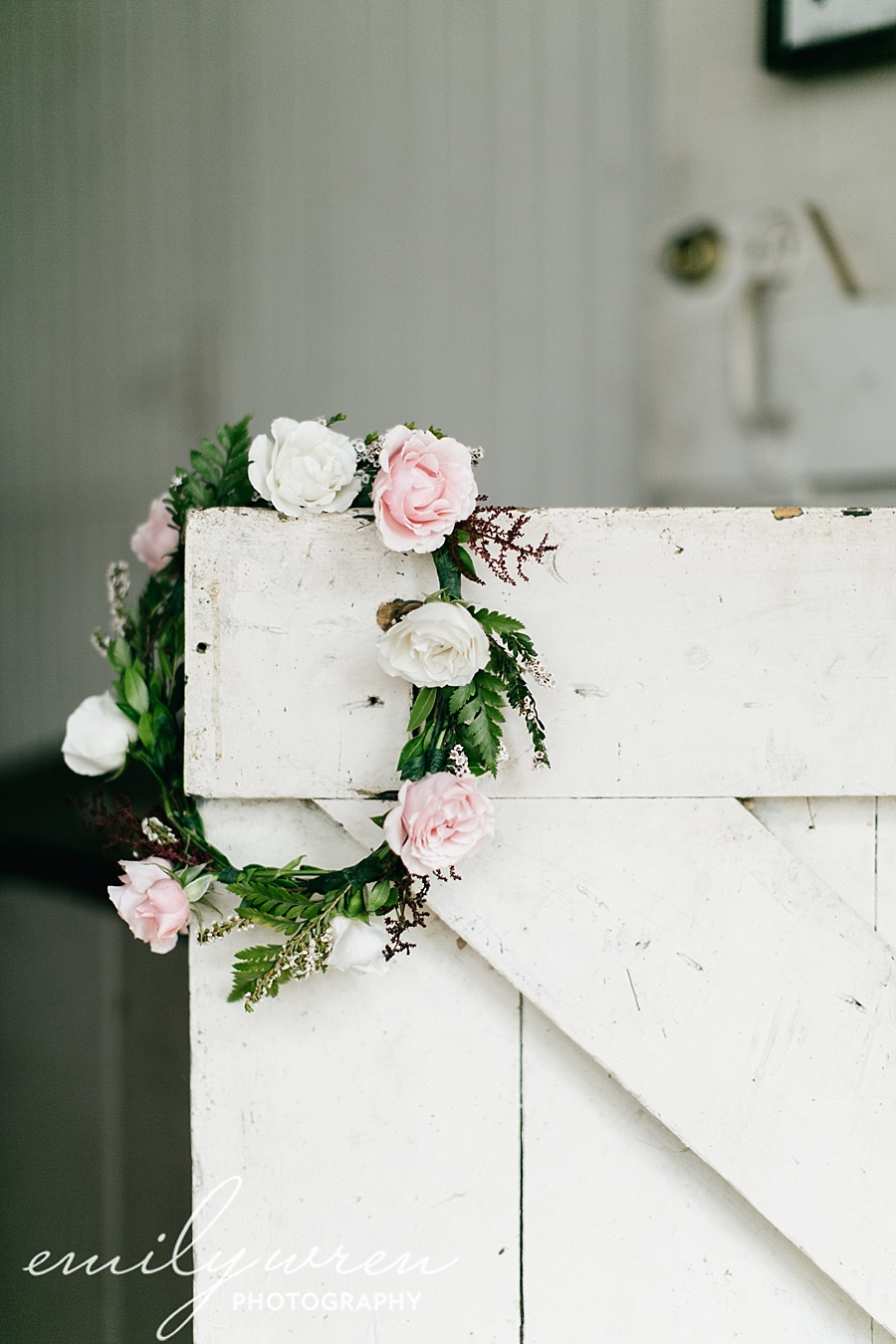 Emily_Wren_Photography_April_Lynn_Designs_Ash_Mill_Farm_Jill_John_October_Rustic_Wedding_Flannel_Farm_Sheep_Holicong_New_Hope025