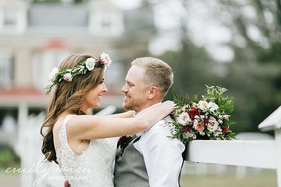 Emily_Wren_Photography_April_Lynn_Designs_Ash_Mill_Farm_Jill_John_October_Rustic_Wedding_Flannel_Farm_Sheep_Holicong_New_Hope040