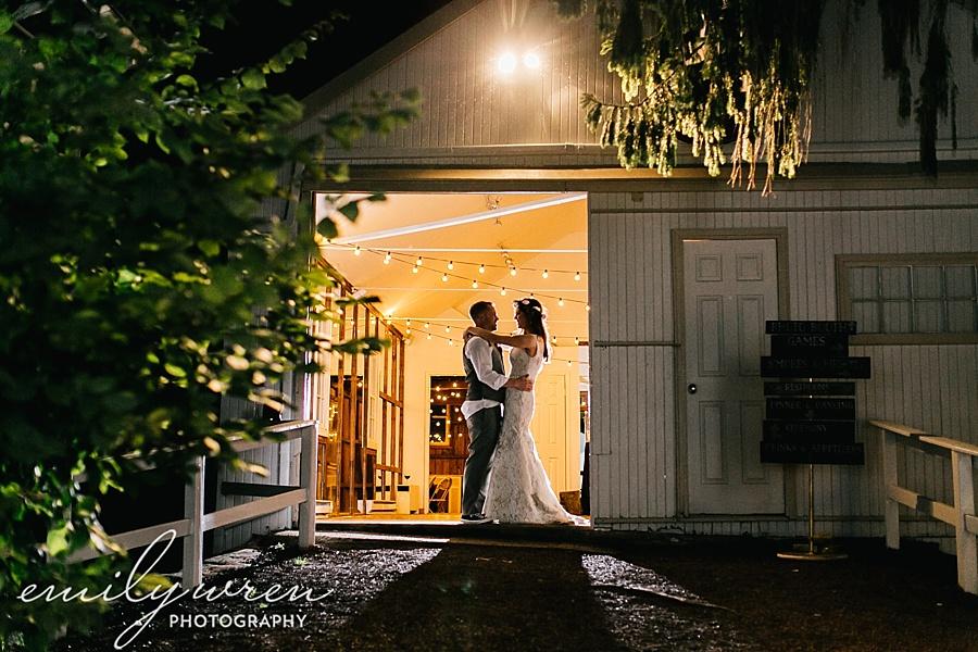 Emily_Wren_Photography_April_Lynn_Designs_Ash_Mill_Farm_Jill_John_October_Rustic_Wedding_Flannel_Farm_Sheep_Holicong_New_Hope228