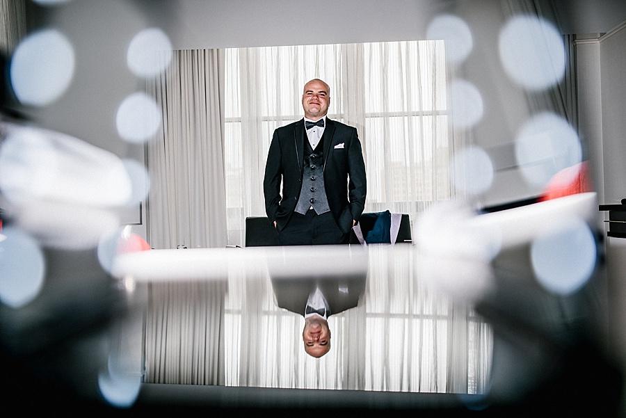 Karmapants_Photography_April_Lynn_Designs_Ballroom_at_the_Ben_Finley_Catering_Luxe_Elegant_Wedding_Art_Deco_Gatsby_Gold_Black_Bridal_Portraits_Getting_Ready-137