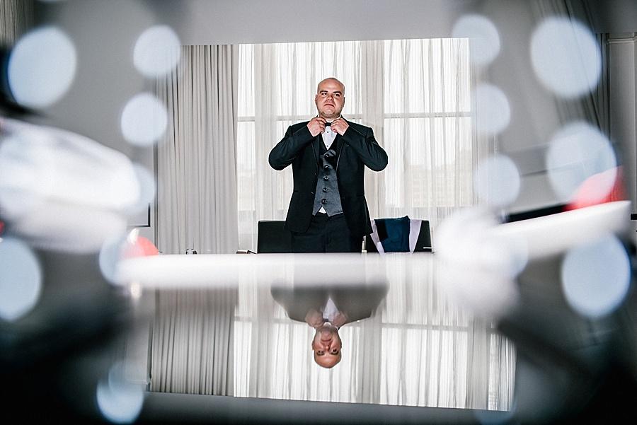 Karmapants_Photography_April_Lynn_Designs_Ballroom_at_the_Ben_Finley_Catering_Luxe_Elegant_Wedding_Art_Deco_Gatsby_Gold_Black_Bridal_Portraits_Getting_Ready-138