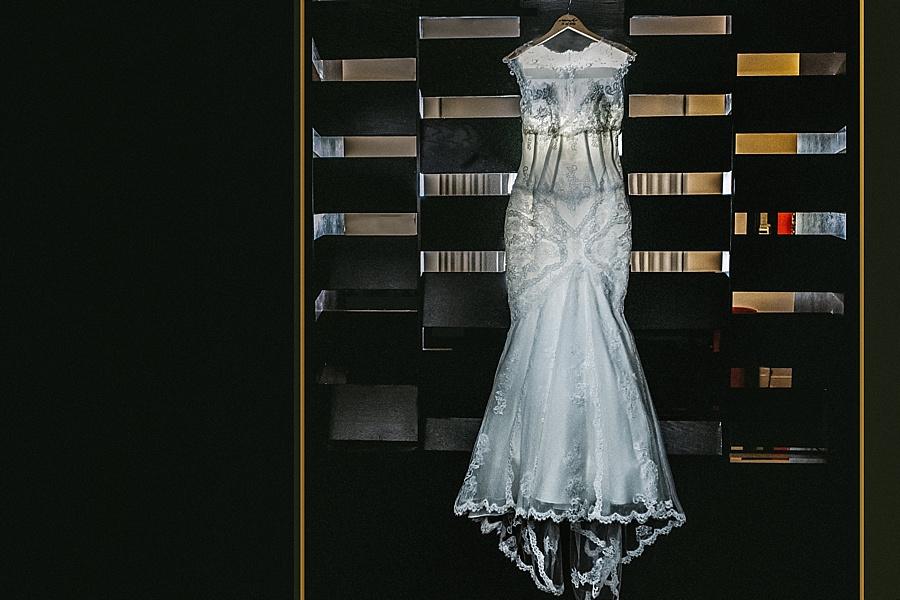 Karmapants_Photography_April_Lynn_Designs_Ballroom_at_the_Ben_Finley_Catering_Luxe_Elegant_Wedding_Art_Deco_Gatsby_Gold_Black_Details-2