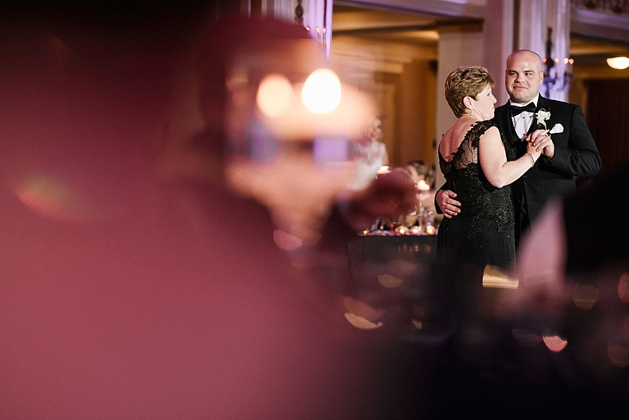 Karmapants_Photography_April_Lynn_Designs_Ballroom_at_the_Ben_Finley_Catering_Luxe_Elegant_Wedding_Art_Deco_Gatsby_Gold_Black_Philadelphia_Reception-273