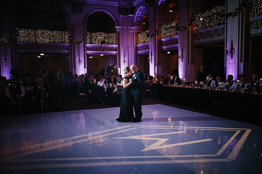 Karmapants_Photography_April_Lynn_Designs_Ballroom_at_the_Ben_Finley_Catering_Luxe_Elegant_Wedding_Art_Deco_Gatsby_Gold_Black_Philadelphia_Reception-513