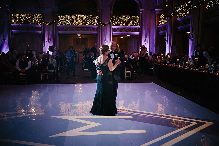 Karmapants_Photography_April_Lynn_Designs_Ballroom_at_the_Ben_Finley_Catering_Luxe_Elegant_Wedding_Art_Deco_Gatsby_Gold_Black_Philadelphia_Reception-532