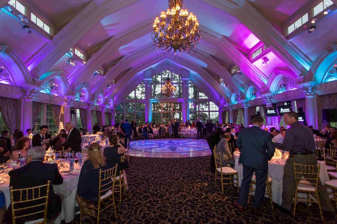 Erica and Anthony's Ashford Estate wedding with stationery by April Lynn Designs | www.aprillynndesigns.com