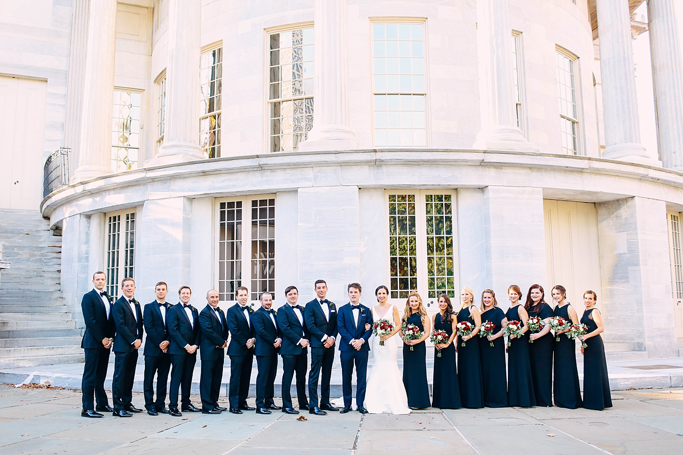Chic Minimal Black and Gold Luxury Philadelphia Wedding | www.aprillynndesigns.com