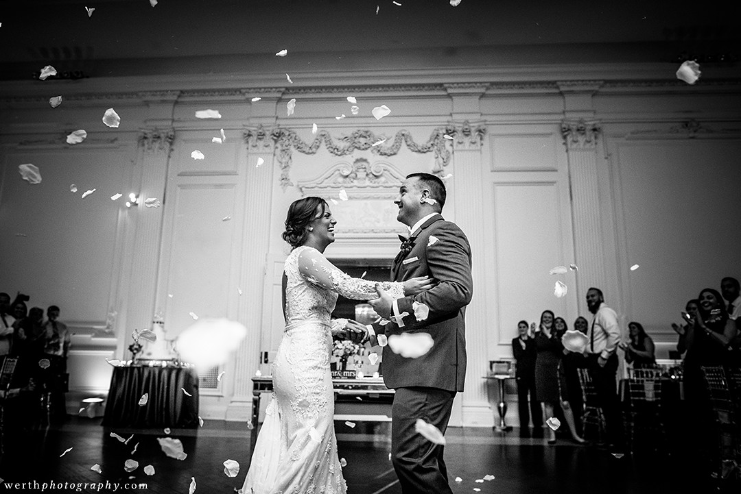 Down Town Club Philadelphia Luxury Wedding | www.aprillynndesigns.com