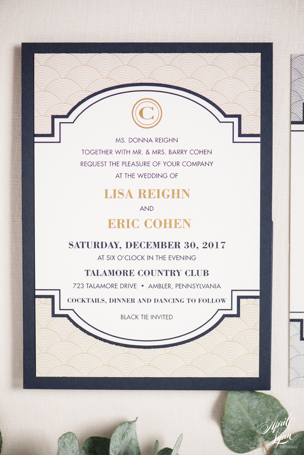 lisa   eric u2019s navy and gold foil gatsby wedding invitation suite